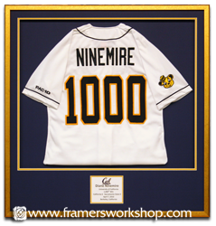 The framers workshop berkeley ca 94704 sports jersey discount framed jersey solutioingenieria Images
